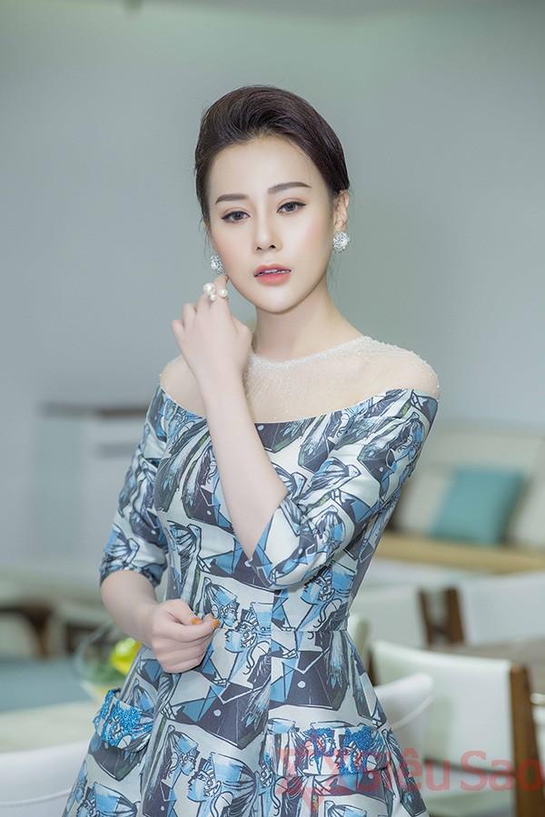 Phương Oanh tại một sự kiện hồi đầu tháng 11/2018.