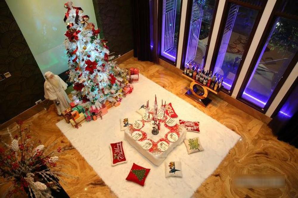Lý do Mr Đàm ngưng mở cửa biệt thự 60 tỷ cho người chụp ảnh Noel