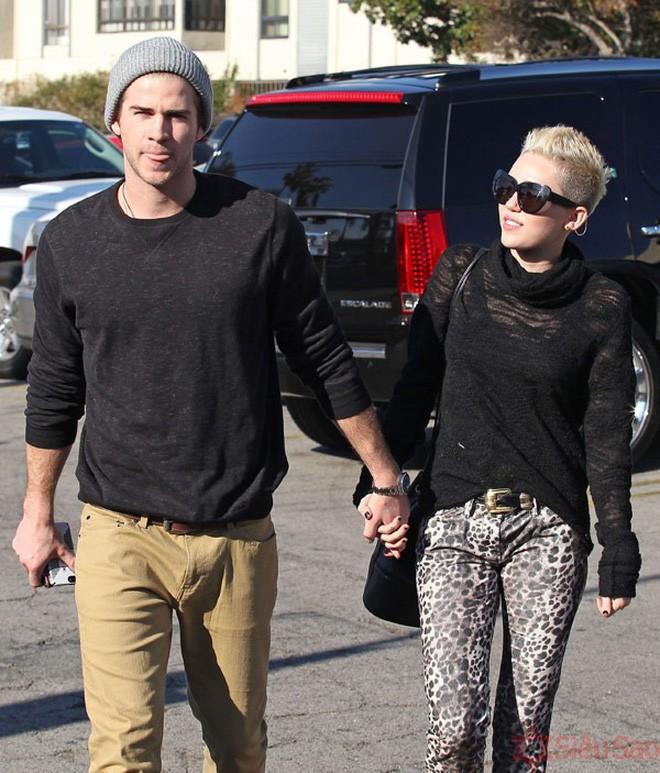 Miley Cyrus: Nàng công chúa vì yêu mà nổi loạn bất cần nhưng cũng vì tình mà đã khoác lên bộ váy cô dâu