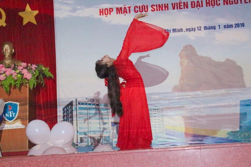 Phương Thảo còn có sở trường là múa rất điêu luyện