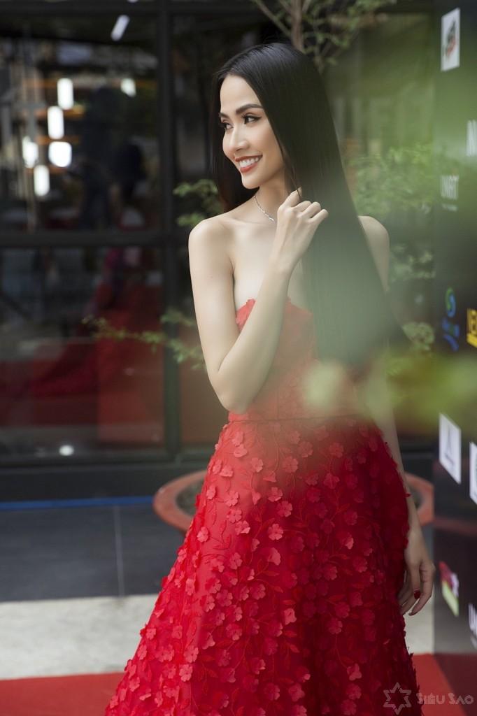 Hoa hậu Phan Thị Mơ