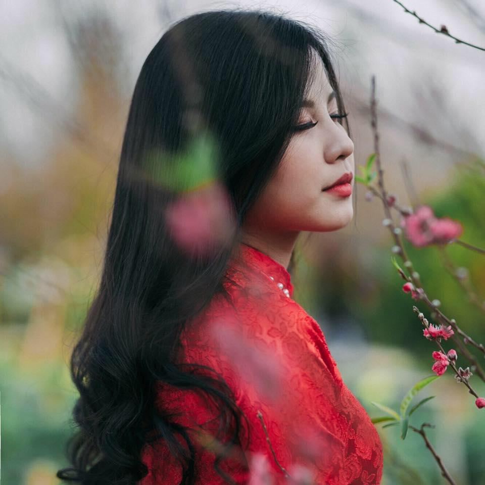 Huyền Trang còn đạt giải Mẫu Xinh Tóc Đẹp của cuộc thi ảnh Tết Tây- Tết Ta