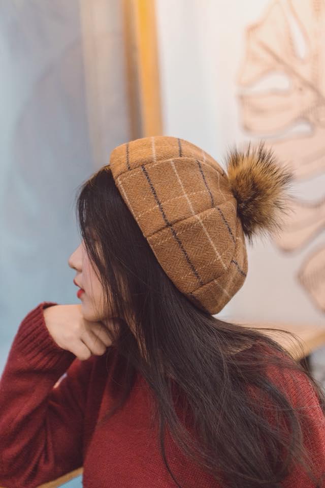 Những bức hình góc nghiêng của Huyền Trang đều rất thu hút