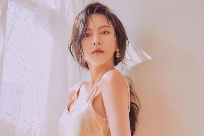 Lee Yeol Eum gặp rắc rối với chính quyền Thái Lan sau khi tập mới đây của Law Of The Jungle được phát sóng hôm 30.6 ghi lại cảnh cô bắt sò tai tượng