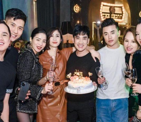 Lệ Quyên và Lâm Bảo Châu xuất hiện tình tứ trong tiệc sinh nhật của ca sĩ Quang Hà