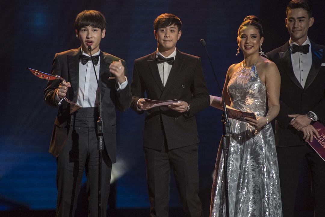 Lễ trao Giải thưởng Truyền hình châu Á đã chọn MV Hoa hải đường là video âm nhạc hay nhất