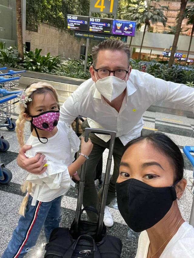 Gia đình Đoan Trang đã đến Singapore an toàn