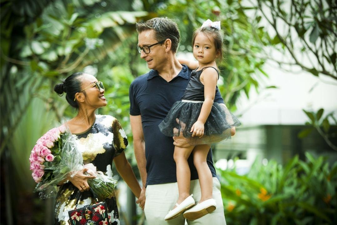 Gia đình nhỏ vô cùng hạnh phúc của ca sĩ Đoan Trang