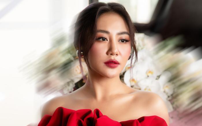 Văn Mai Hương là nữ ca sĩ sở hữu giọng hát nội lực, tên tuổi gắn liền với nhiều ca khúc như: Cầu hôn, Đốt, Những khát khao ấy...