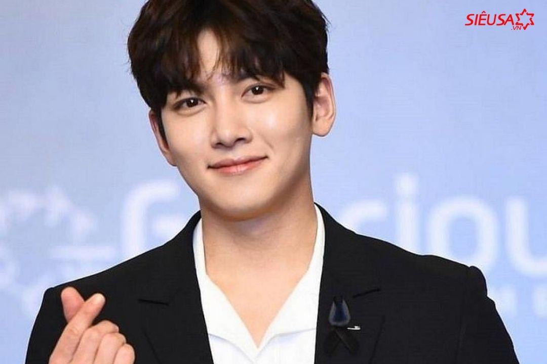 JTBC xác nhận việc nam diễn viên Ji Chang Wook bị nhiễm corona