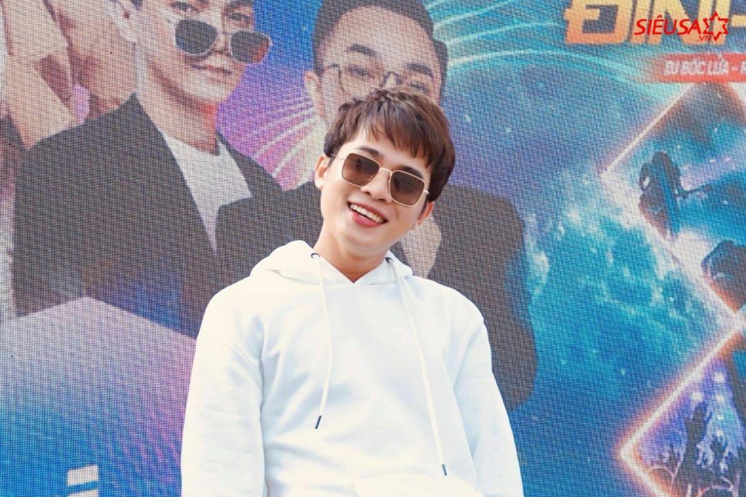 Jack là một trong những sao nam đắt show tại Việt Nam